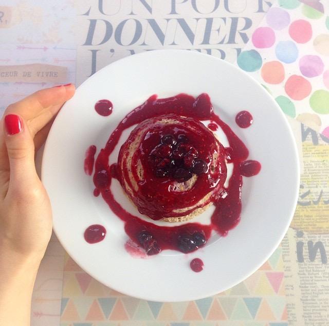 Bowlcake aux fruits rouges - Pêche & Eglantine