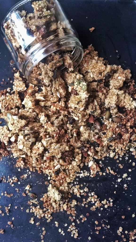 Granola a de quinoa, simple et délicieux)