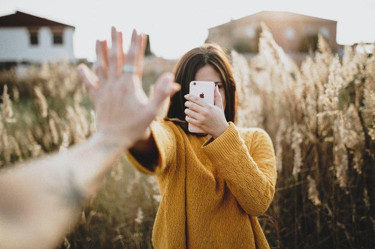 L'envers du décor d'Instagram : remises en question d'une influenceuse - Pêche & Eglantine